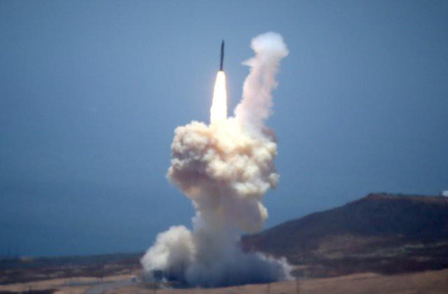Ranh giới vực thẳm với Nga: Tên lửa Mỹ sẵn sàng ra mắt - Ảnh 1.