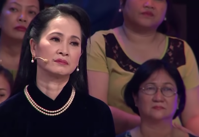 """NSND Lan Hương, Tự Long bật khóc kể kí ức về """"bác trưởng thôn"""" Văn Hiệp - Ảnh 1."""