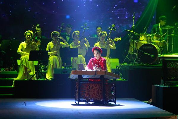 Nhà hát Ca Múa Nhạc Việt Nam công diễn chương trình nghệ thuật Lưỡng cực - Ảnh 2.