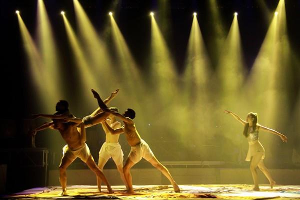 Nhà hát Ca Múa Nhạc Việt Nam công diễn chương trình nghệ thuật Lưỡng cực - Ảnh 1.