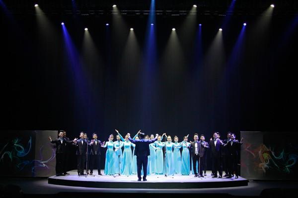 Nhà hát Ca Múa Nhạc Việt Nam công diễn chương trình nghệ thuật Lưỡng cực - Ảnh 4.