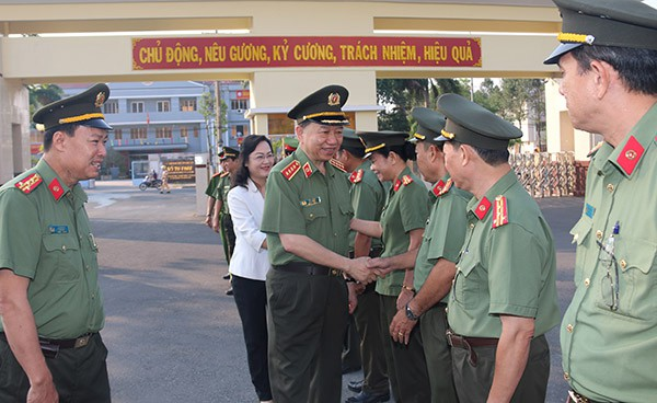 Đại tướng Tô Lâm thăm và làm việc với Công an tỉnh Bạc Liêu - Ảnh 1.