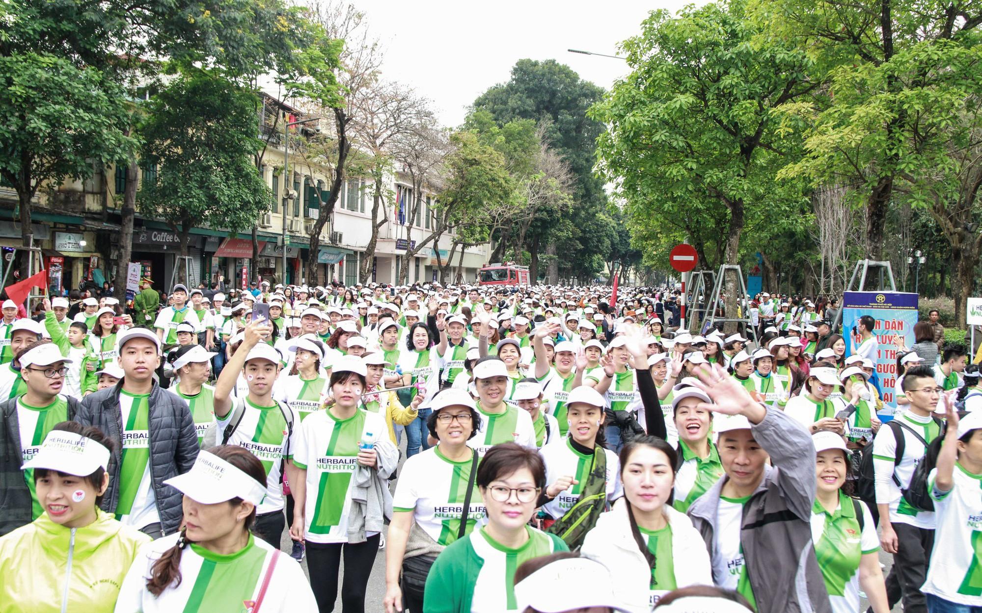 Hơn 8.000 người hưởng ứng Ngày chạy Olympic lần thứ 46