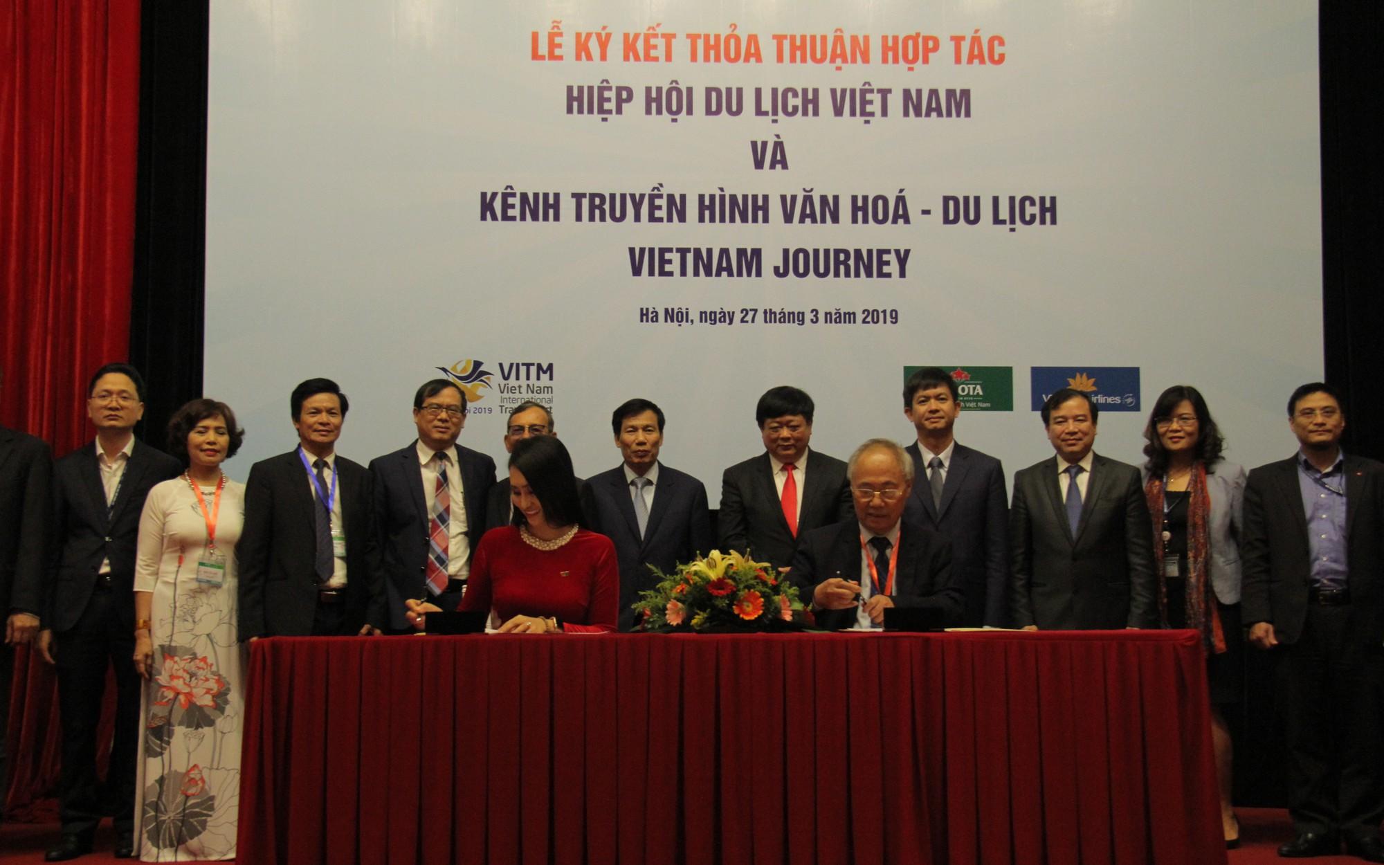 Hiệp Hội Du lịch Việt Namký kết thỏa thuận với Kênh Truyền hình Đài Tiếng nói Việt Nam