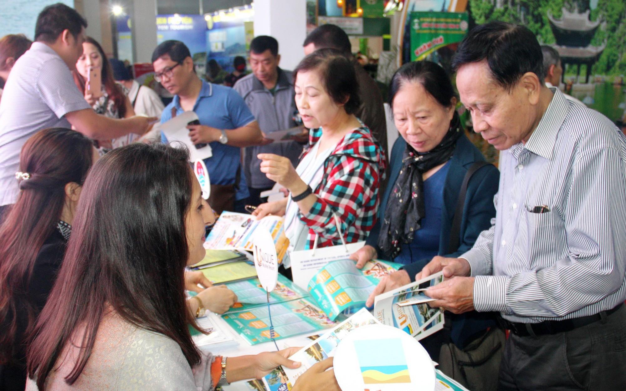 Hơn 4.000 lượt khách tham quan gian hàng du lịch Bình Thuận