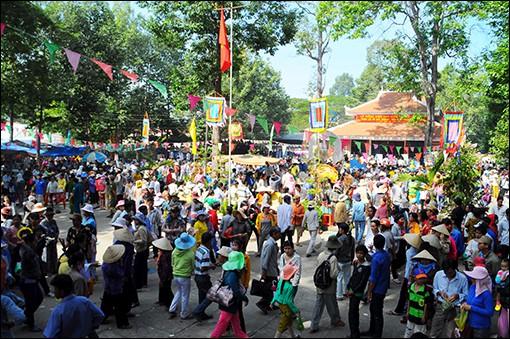 Đồng Tháp: Việc tổ chức lễ hội trên địa bàn Tỉnh dần đi vào nền nếp - Ảnh 1.
