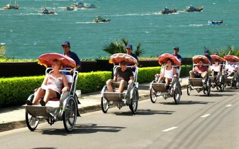 Khánh Hòa chính thức phát động triển khai thực hiện Bộ Quy tắc ứng xử văn minh du lịch