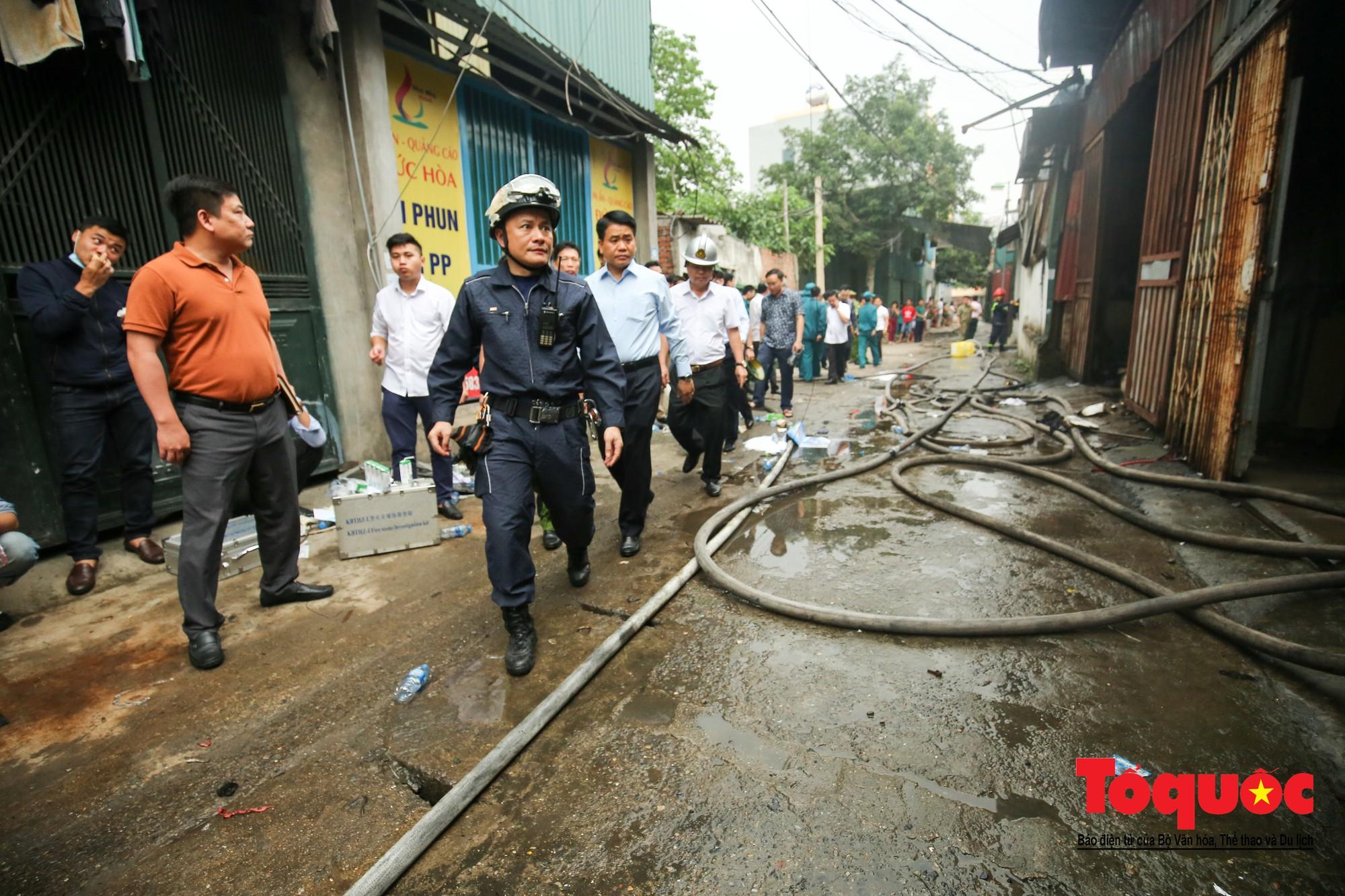 Cận cảnh hiện trường vụ Cháy thảm khốc ở Trung Văn, 8 người chết và mất tích - Ảnh 2.