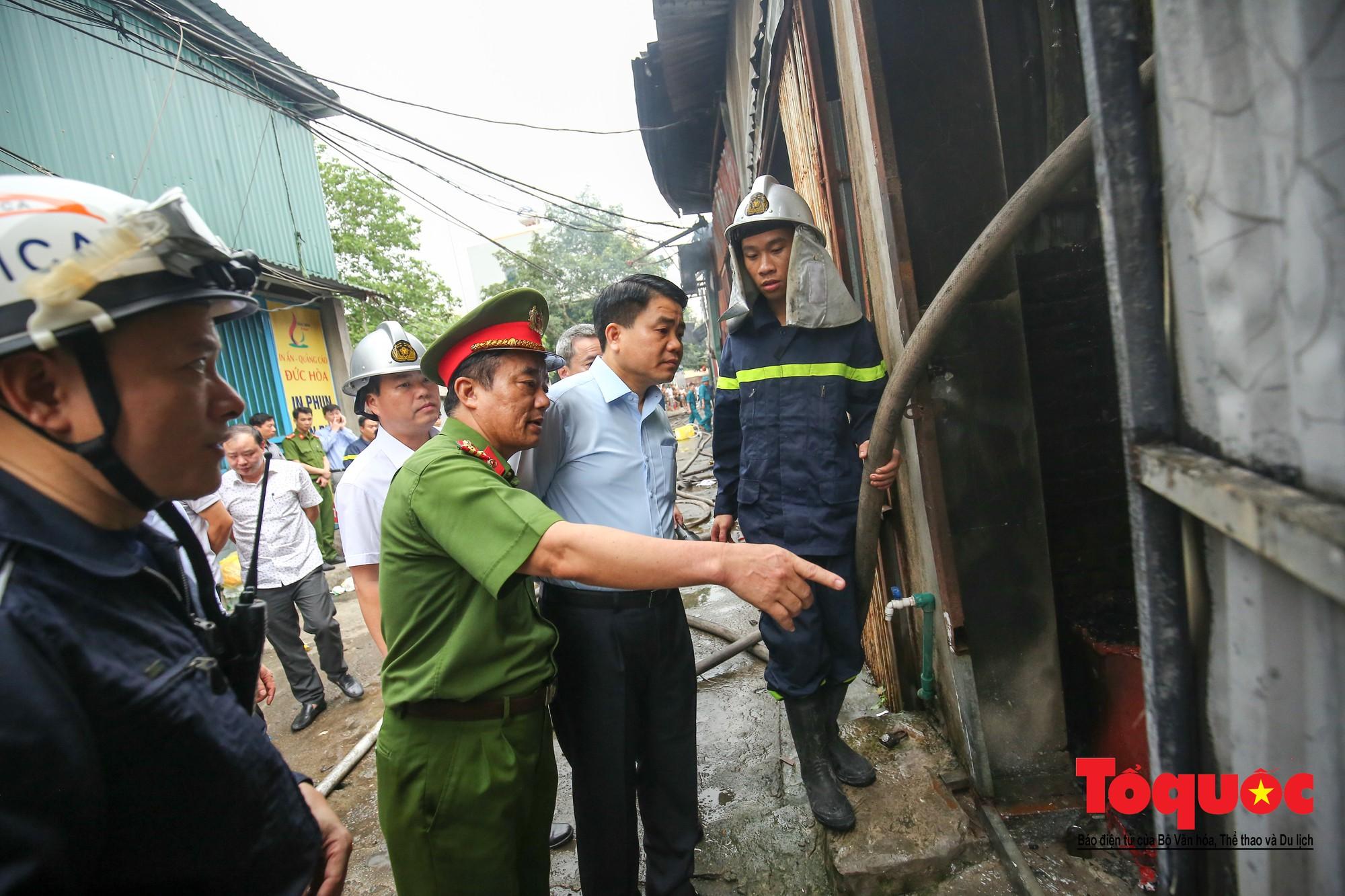 Cận cảnh hiện trường vụ Cháy thảm khốc ở Trung Văn, 8 người chết và mất tích - Ảnh 3.