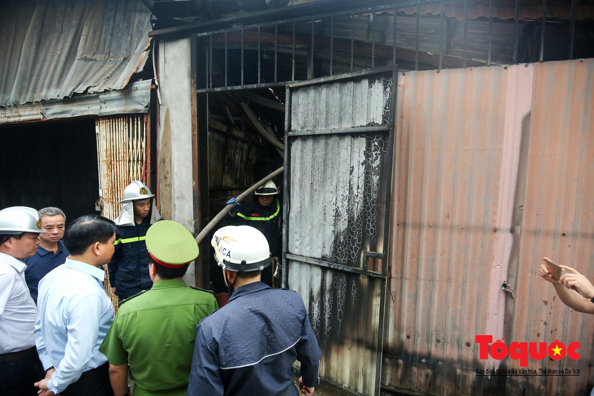 Cận cảnh hiện trường vụ Cháy thảm khốc ở Trung Văn, 8 người chết và mất tích - Ảnh 4.
