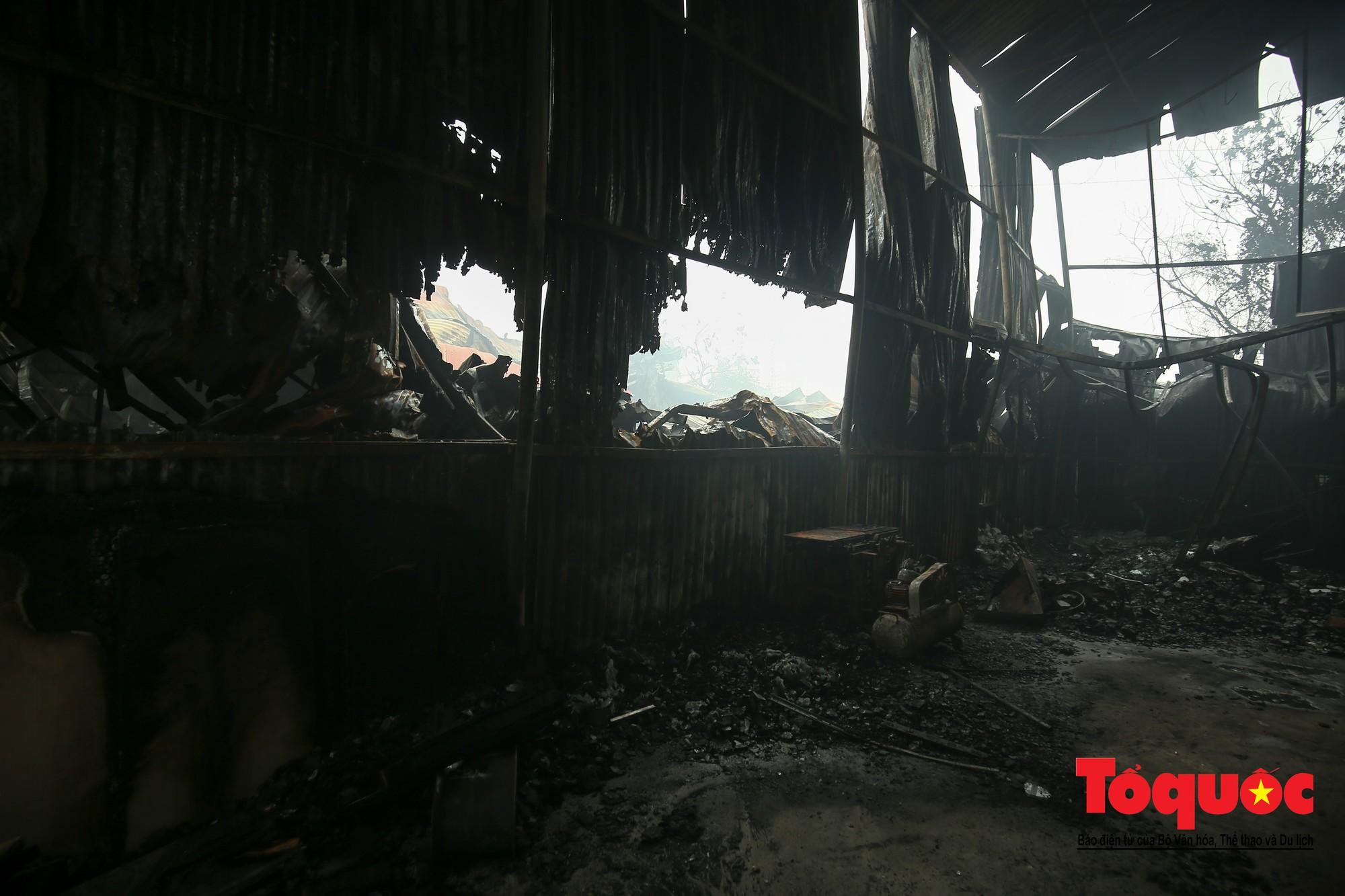 Cận cảnh hiện trường vụ Cháy thảm khốc ở Trung Văn, 8 người chết và mất tích - Ảnh 17.