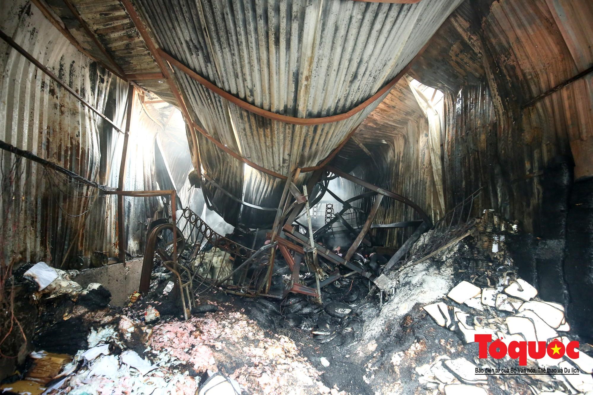 Cận cảnh hiện trường vụ Cháy thảm khốc ở Trung Văn, 8 người chết và mất tích - Ảnh 14.
