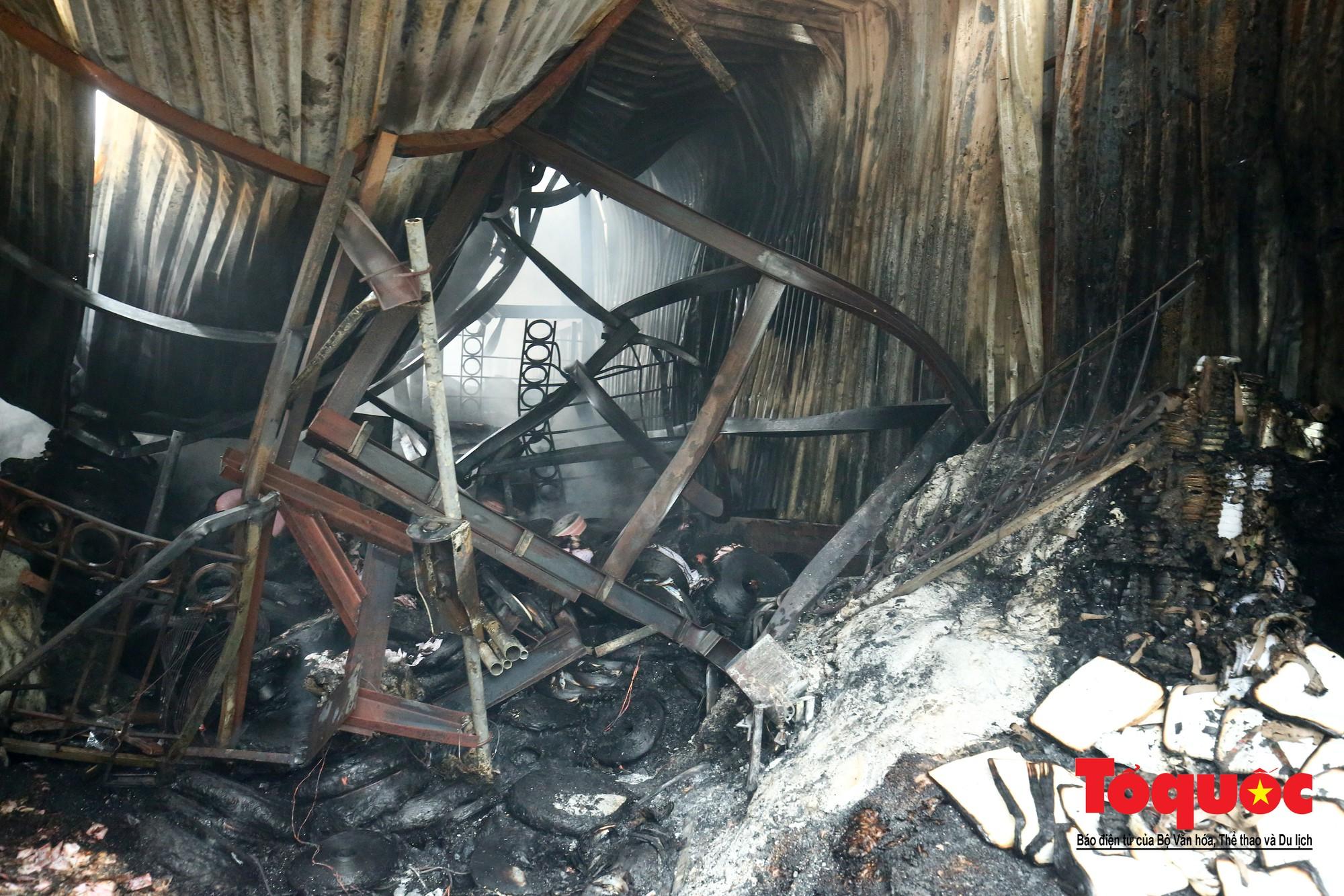 Cận cảnh hiện trường vụ Cháy thảm khốc ở Trung Văn, 8 người chết và mất tích - Ảnh 13.