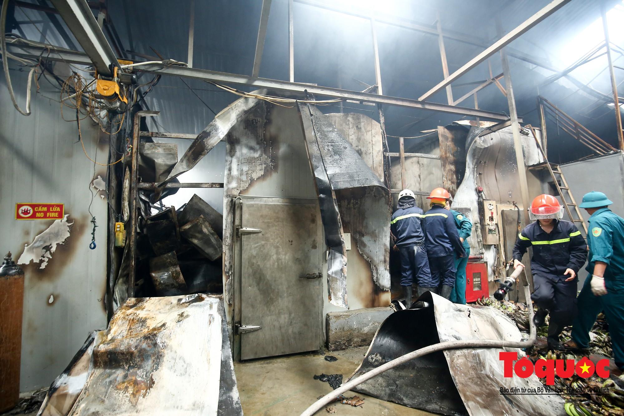 Cận cảnh hiện trường vụ Cháy thảm khốc ở Trung Văn, 8 người chết và mất tích - Ảnh 12.