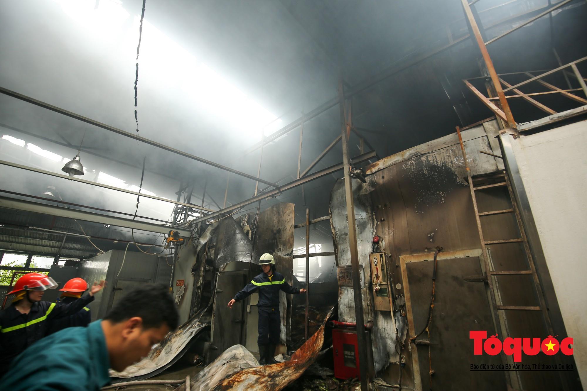 Cận cảnh hiện trường vụ Cháy thảm khốc ở Trung Văn, 8 người chết và mất tích - Ảnh 11.