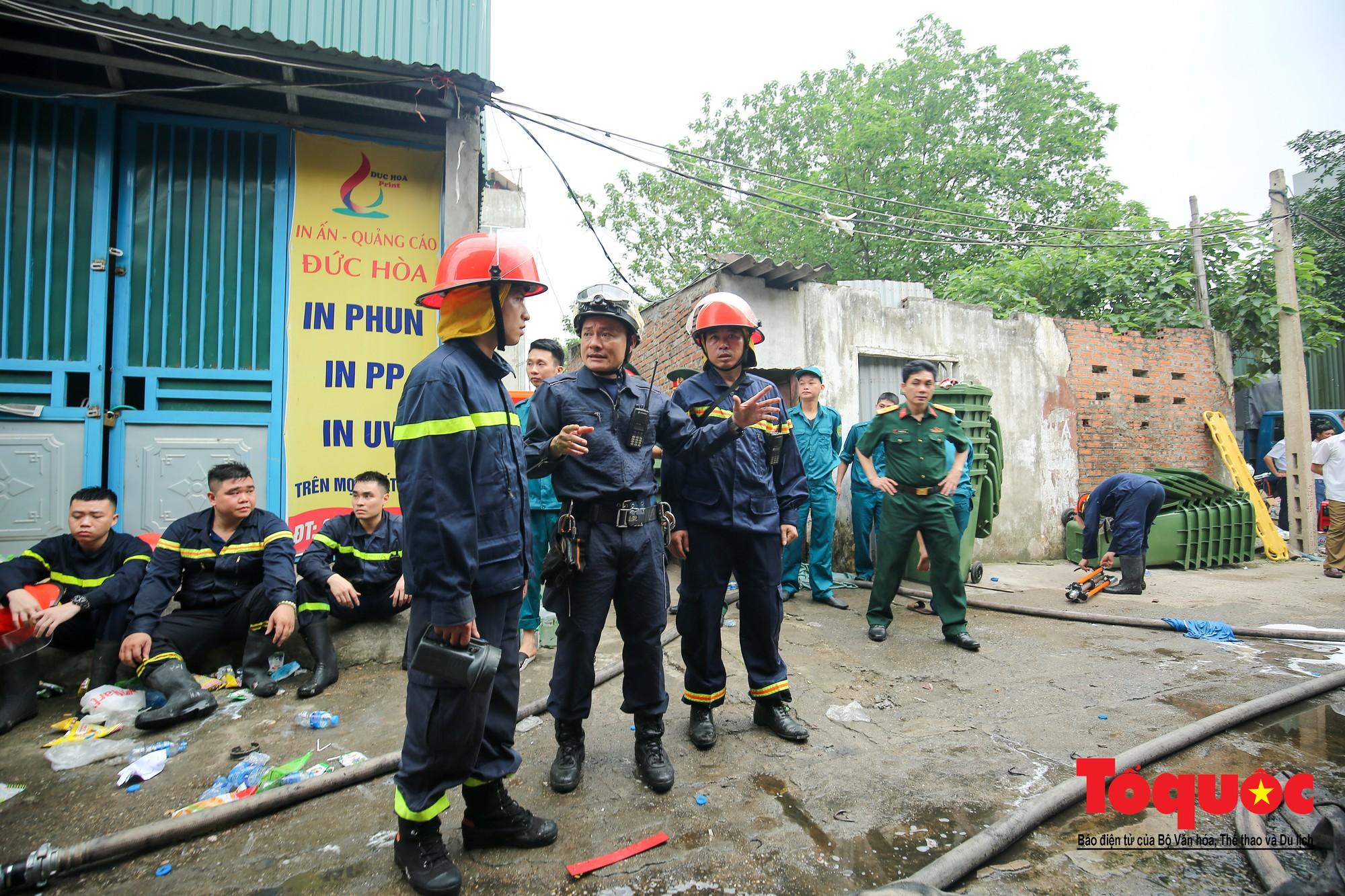 Cận cảnh hiện trường vụ Cháy thảm khốc ở Trung Văn, 8 người chết và mất tích - Ảnh 10.