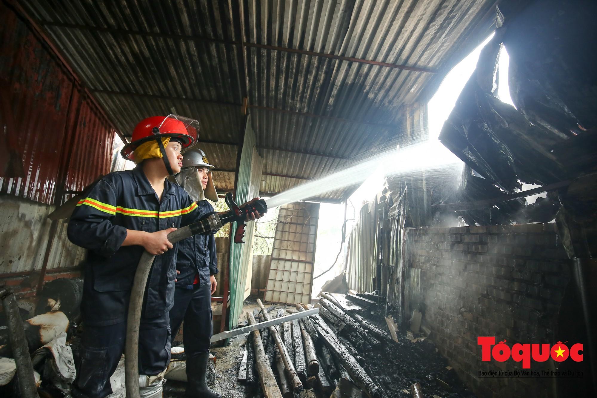 Cận cảnh hiện trường vụ Cháy thảm khốc ở Trung Văn, 8 người chết và mất tích - Ảnh 6.
