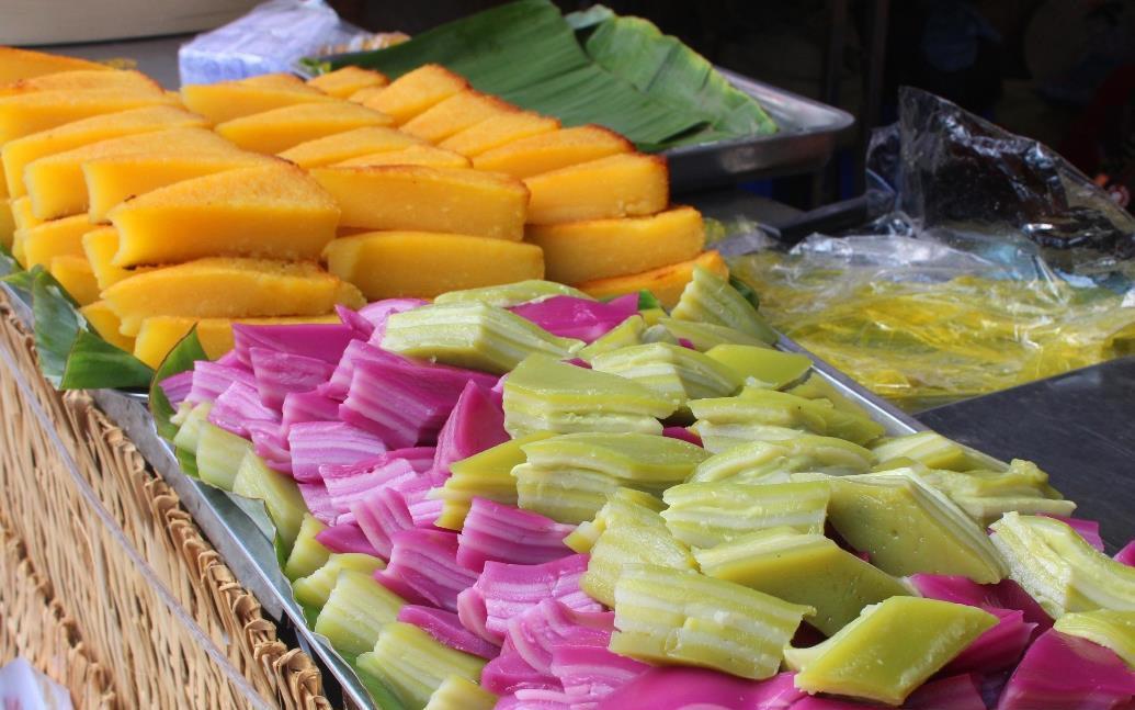 Ấn tượng với hơn 100 loại bánh tại lễ hội bánh lớn nhất miền Tây