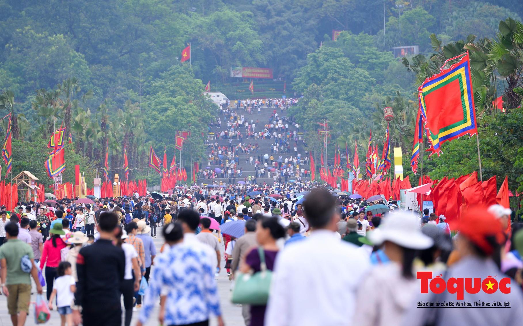 Lễ hội Đền Hùng trước ngày Giỗ Tổ