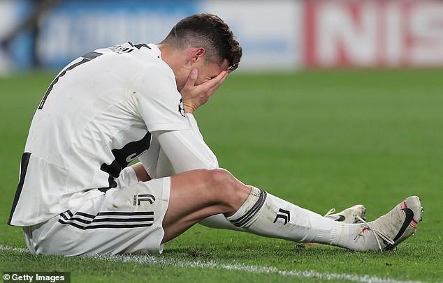 Bùng nổ với HLV Allegri, Cristiano Ronaldo đòi thay máu toàn bộ Juventus? - Ảnh 1.