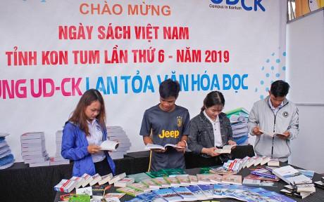 Nhiều hoạt động tại Ngày sách Việt Nam - Tỉnh Kon Tum lần thứ VI năm 2019