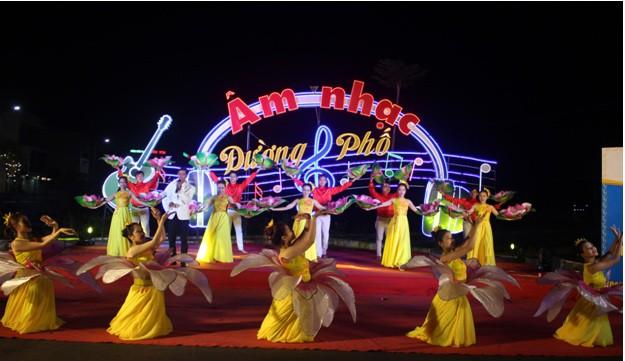 Hấp dẫn lễ hội âm nhạc đường phố TP Tuy Hòa năm 2019 - Ảnh 1.