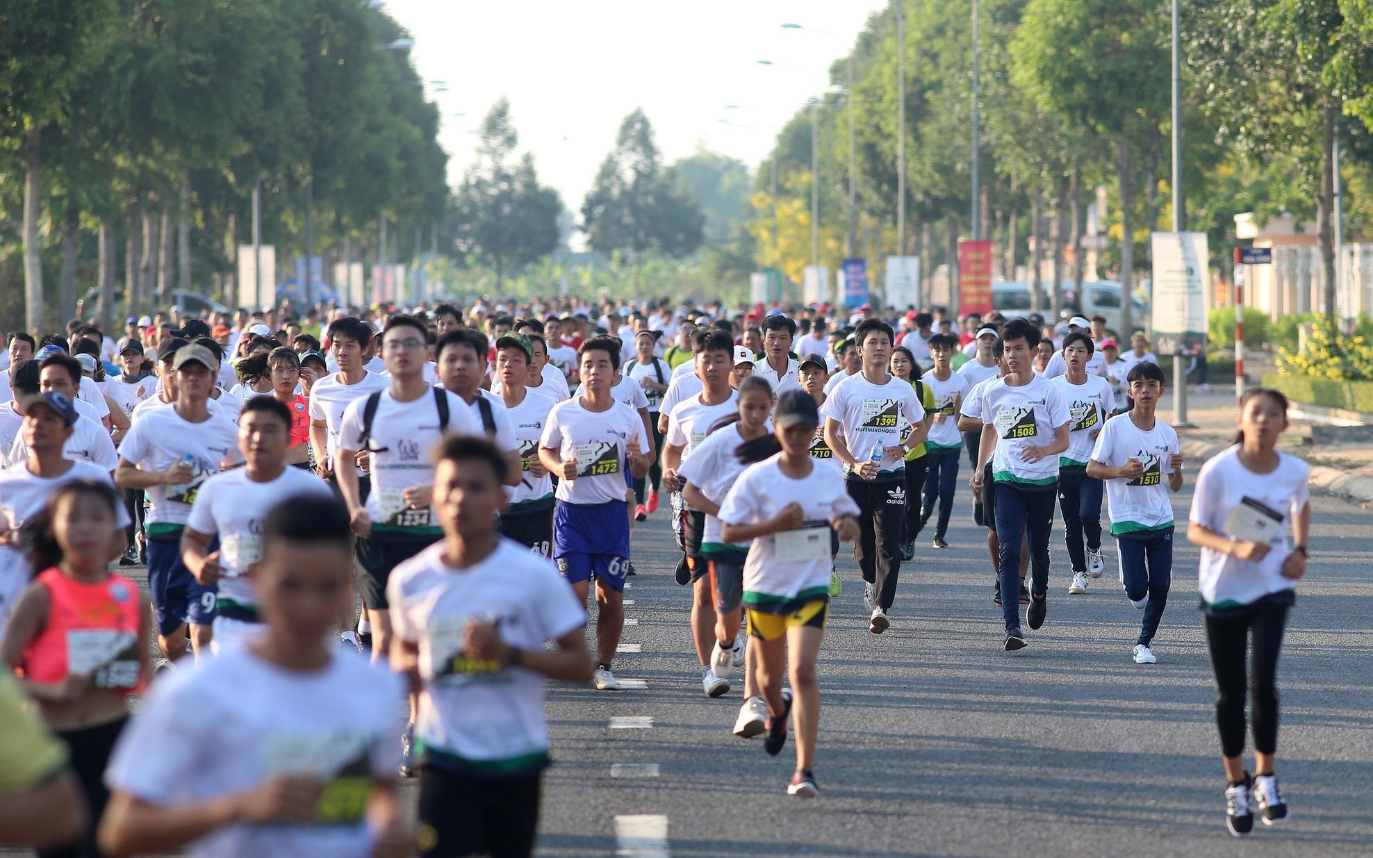 Hàng ngàn vận động viên tham gia giải Marathon quốc tế Hậu Giang 2019