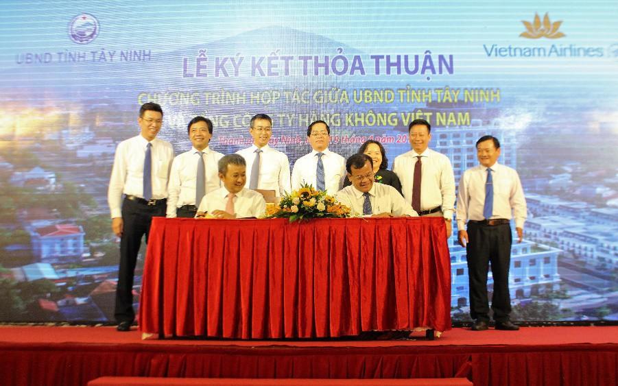 Tây Ninh hợp tác với Vietnam Airlines quảng bá thương hiệu điểm đến du lịch