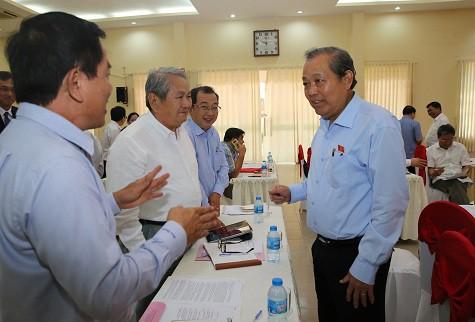 Phó Thủ tướng Trương Hòa Bình tiếp xúc cử tri doanh nghiệp Long An - Ảnh 2.