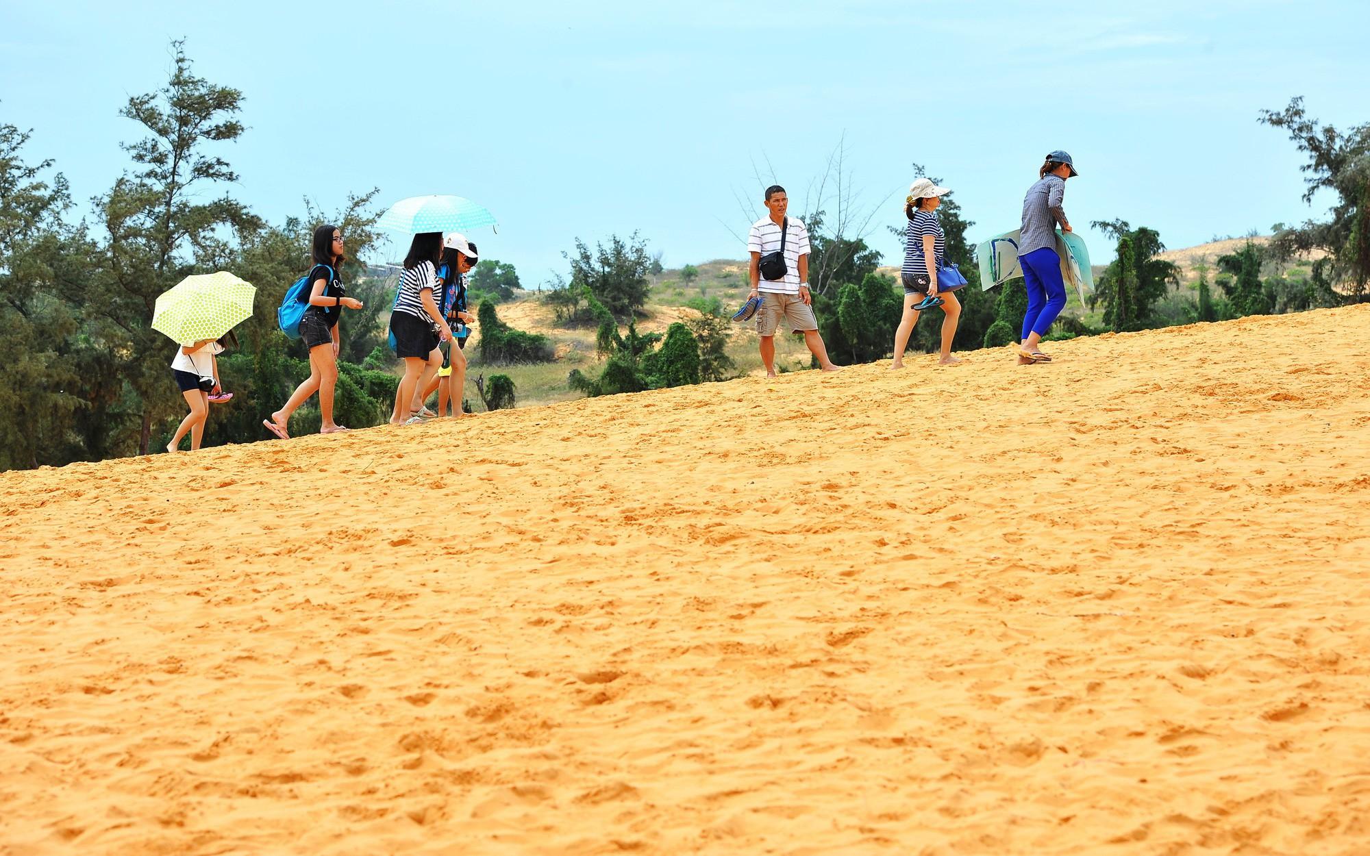 Gìn giữ, tôn tạo và phát huy vẻ đẹp tự nhiên Đồi cát bay Mũi Né