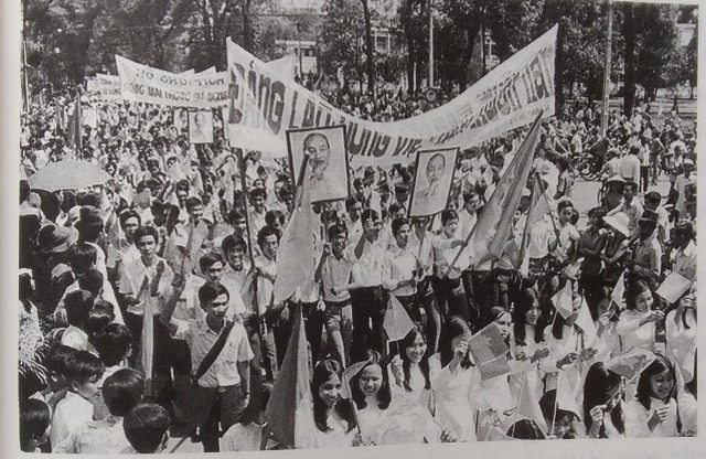Chiến dịch Hồ Chí Minh toàn thắng qua thơ và trường ca - Ảnh 3.