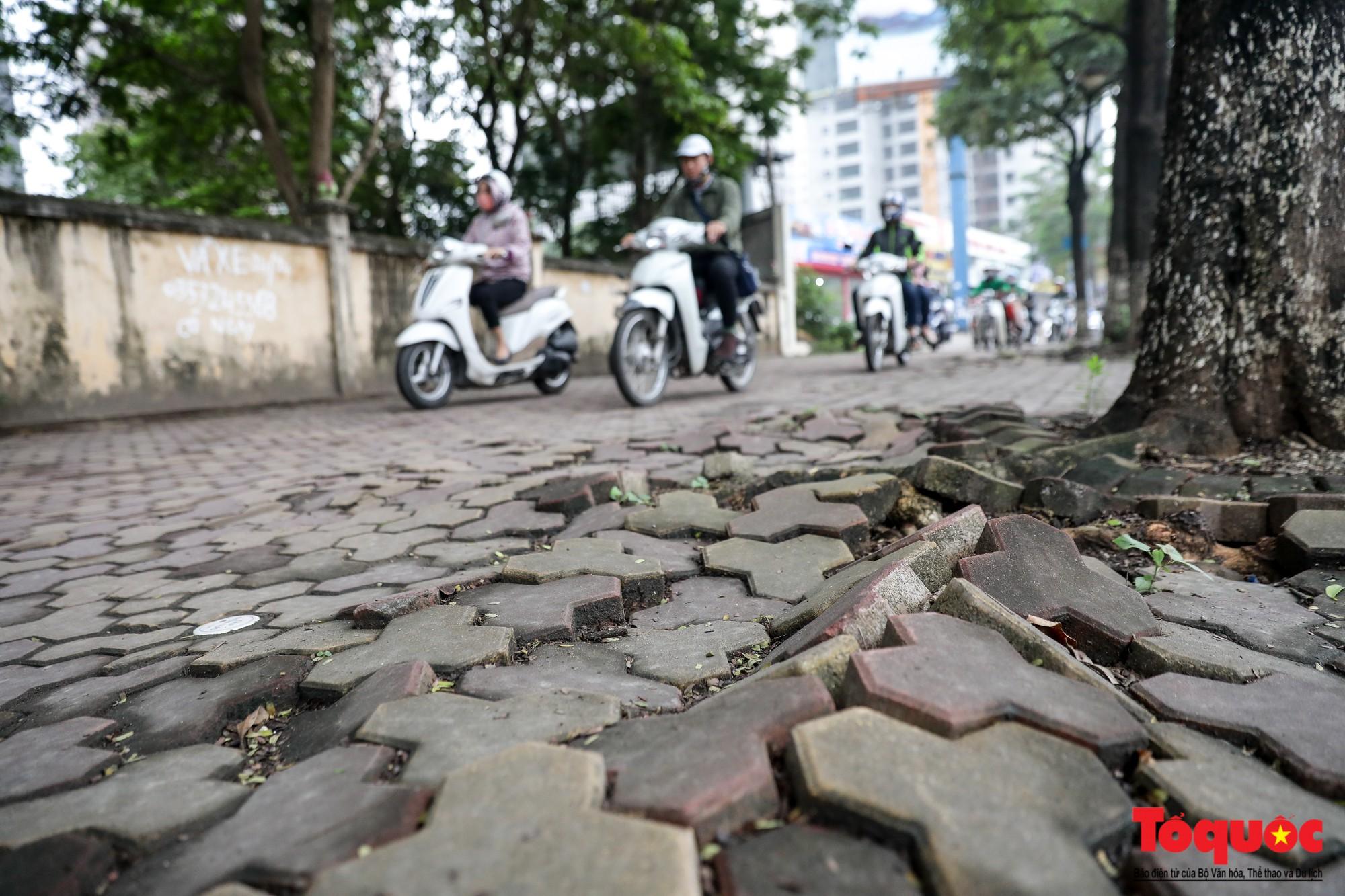 Nhìn những hình ảnh này mới thấy đề xuất cấm xe máy 6 tuyến phố Hà Nội là vô cảm với người dân nghèo - Ảnh 7.