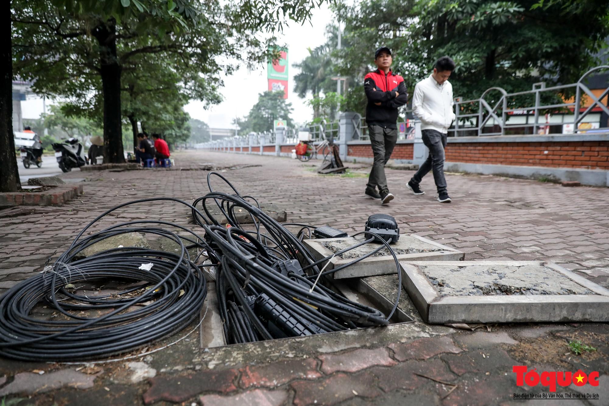 Nhìn những hình ảnh này mới thấy đề xuất cấm xe máy 6 tuyến phố Hà Nội là vô cảm với người dân nghèo - Ảnh 8.