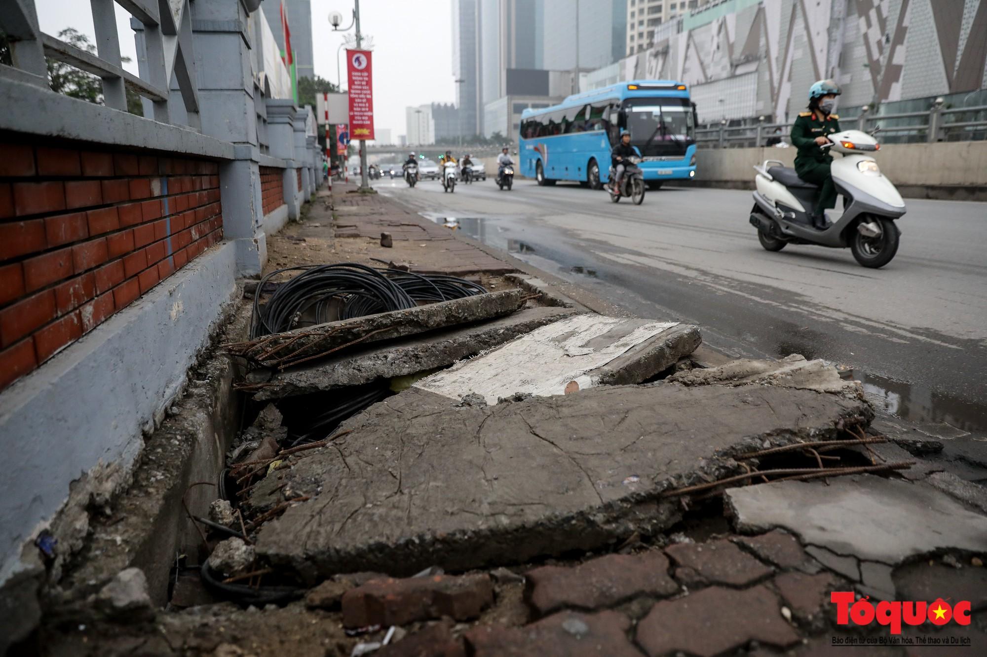 Nhìn những hình ảnh này mới thấy đề xuất cấm xe máy 6 tuyến phố Hà Nội là vô cảm với người dân nghèo - Ảnh 10.