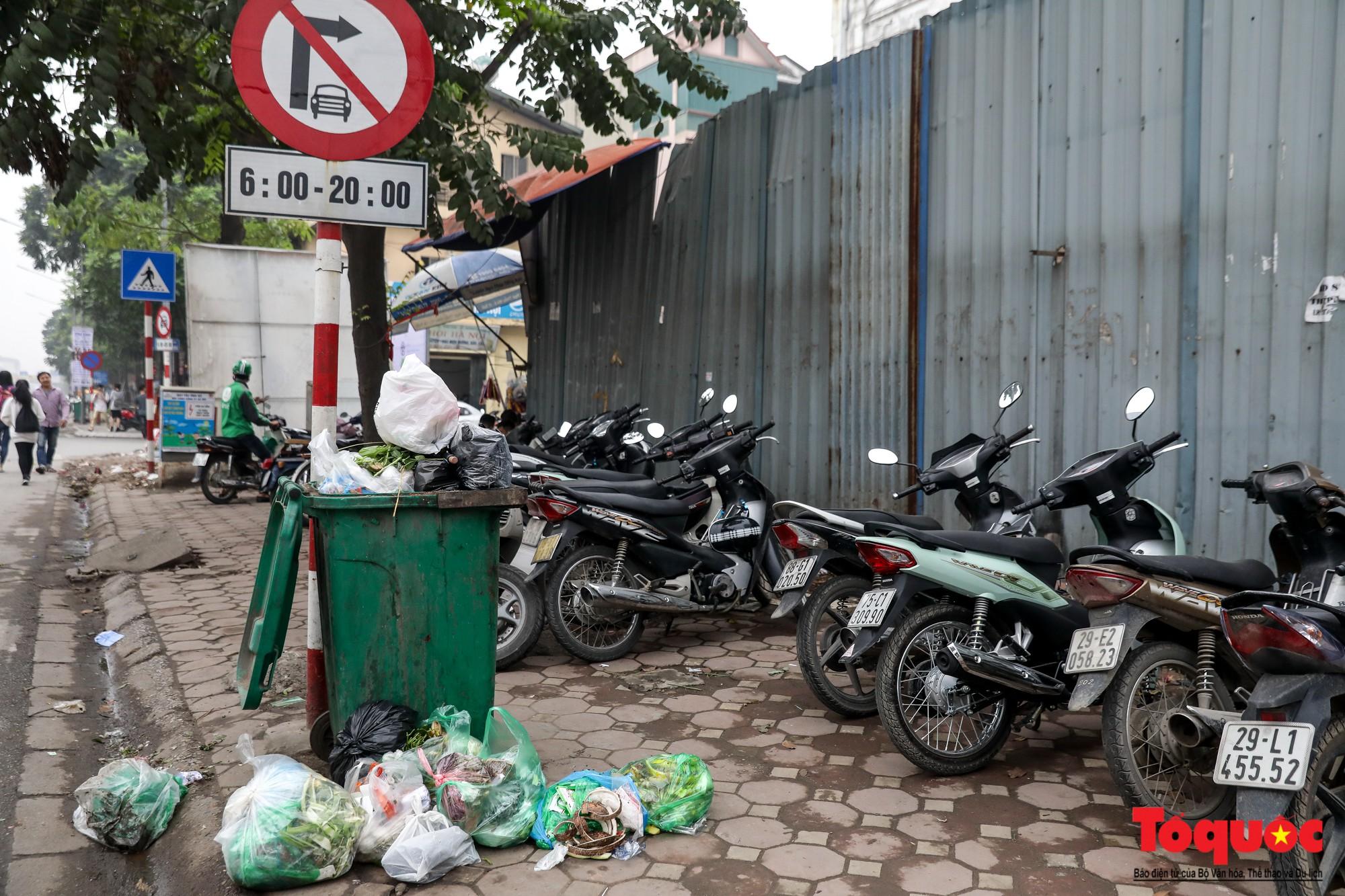 Nhìn những hình ảnh này mới thấy đề xuất cấm xe máy 6 tuyến phố Hà Nội là vô cảm với người dân nghèo - Ảnh 15.