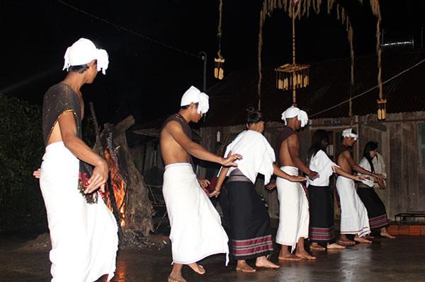 Sưu tầm sản phẩm văn hóa, phục dựng Lễ hội dân tộc Chu - ru ở Lâm Đồng - Ảnh 1.