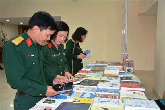 Phát động phong trào đọc sách tại Thư viện Quân đội - Ảnh 1.