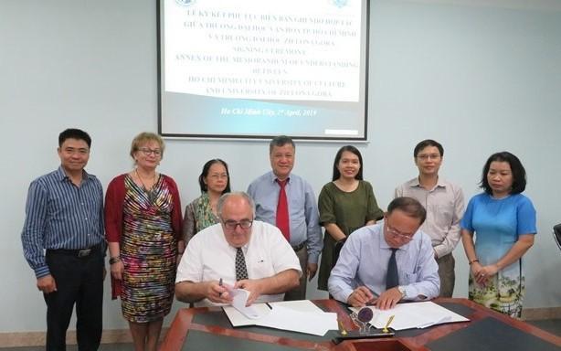 Hợp tác đào tạo, nghiên cứu giữa Trường Đại học Văn hóa TP. Hồ Chí Minh và Trường Đại học Tổng hợp Zielona Góra, Ba Lan
