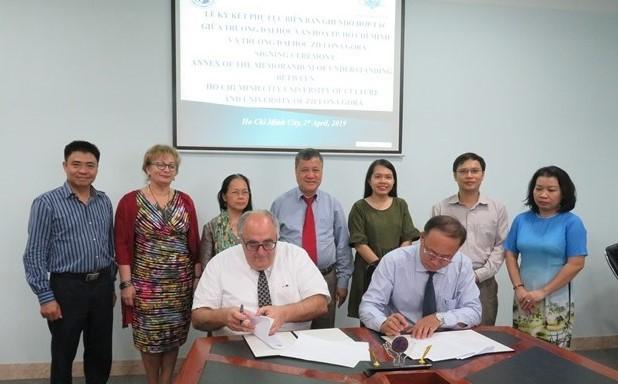 Hợp tác đào tạo, nghiên cứu giữa Trường Đại học Văn hóa TP. Hồ Chí Minh và Trường Đại học Tổng hợp Zielona Góra, Ba Lan - Ảnh 1.