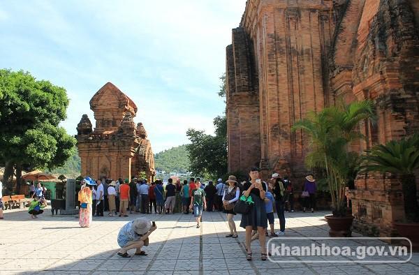 Khách Trung Quốc vẫn tiếp tục dẫn đầu các dòng khách quốc tế đến Nha Trang - Ảnh 1.