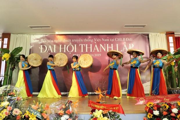 Gìn giữ và phát triển nghệ thuật truyền thống Việt Nam tại Đức - Ảnh 1.