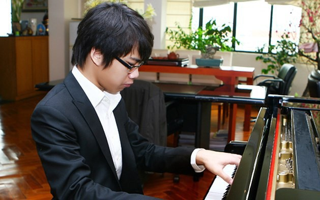 Tài năng âm nhạc người Việt xuất sắc Nguyễn Việt Trung về nước tham dự Chương trình