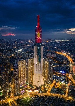 Choáng ngợp màn pháo hoa mãn nhãn từ toà tháp cao nhất Đông Nam Á - Ảnh 1.