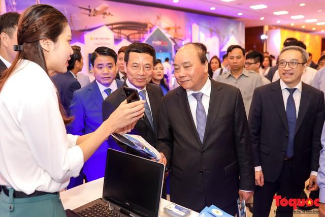 Thông tin kinh tế nổi bật tuần qua: Make in Vietnam vì một Việt Nam hùng cường, Nhật Cường Mobile bị khám xét... - Ảnh 2.