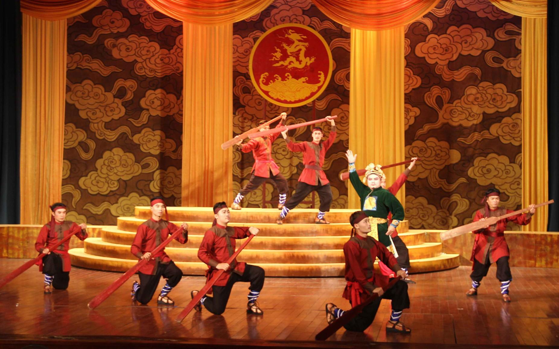 Thứ trưởng Lê Khánh Hải dự Khai mạc Liên hoan Sân khấu Tuồng và Dân ca kịch toàn quốc