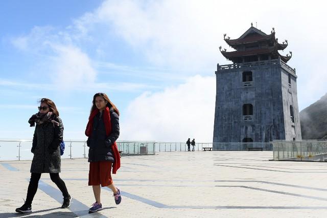 Tiếp nối chuỗi hoạt động tại Việt Nam, đoàn đại biểu Vesak quốc tế sẽ làm lễ cầu an trên đỉnh thiêng Fansipan - Ảnh 2.