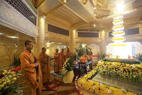 Tiếp nối chuỗi hoạt động tại Việt Nam, đoàn đại biểu Vesak quốc tế sẽ làm lễ cầu an trên đỉnh thiêng Fansipan - Ảnh 5.