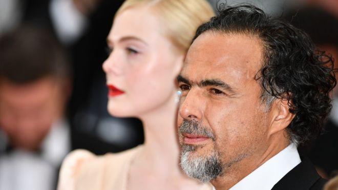 Thảm đỏ LHP Cannes 2019: Đốn tim ngay ngày đầu tái xuất? - Ảnh 1.