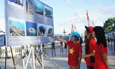 Triển lãm Di sản văn hóa, du lịch biển đảo Việt Nam tại Khánh Hòa - Ảnh 1.