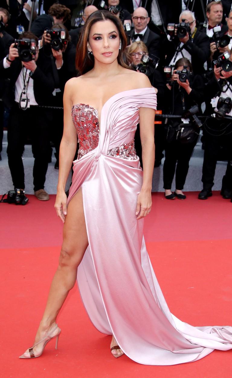 Thảm đỏ LHP Cannes 2019: Đốn tim ngay ngày đầu tái xuất? - Ảnh 4.